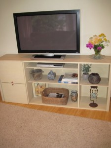 Organized-Beautifully-Mid-Century-Modern-Bookcase-turned-on-its-side-Faux-Finish-IMG_1956-5-480×640-225×300